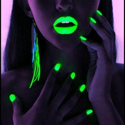 Светещи лакове за нокти NEON UV